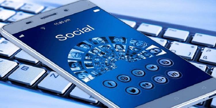 freelancers run social commerce