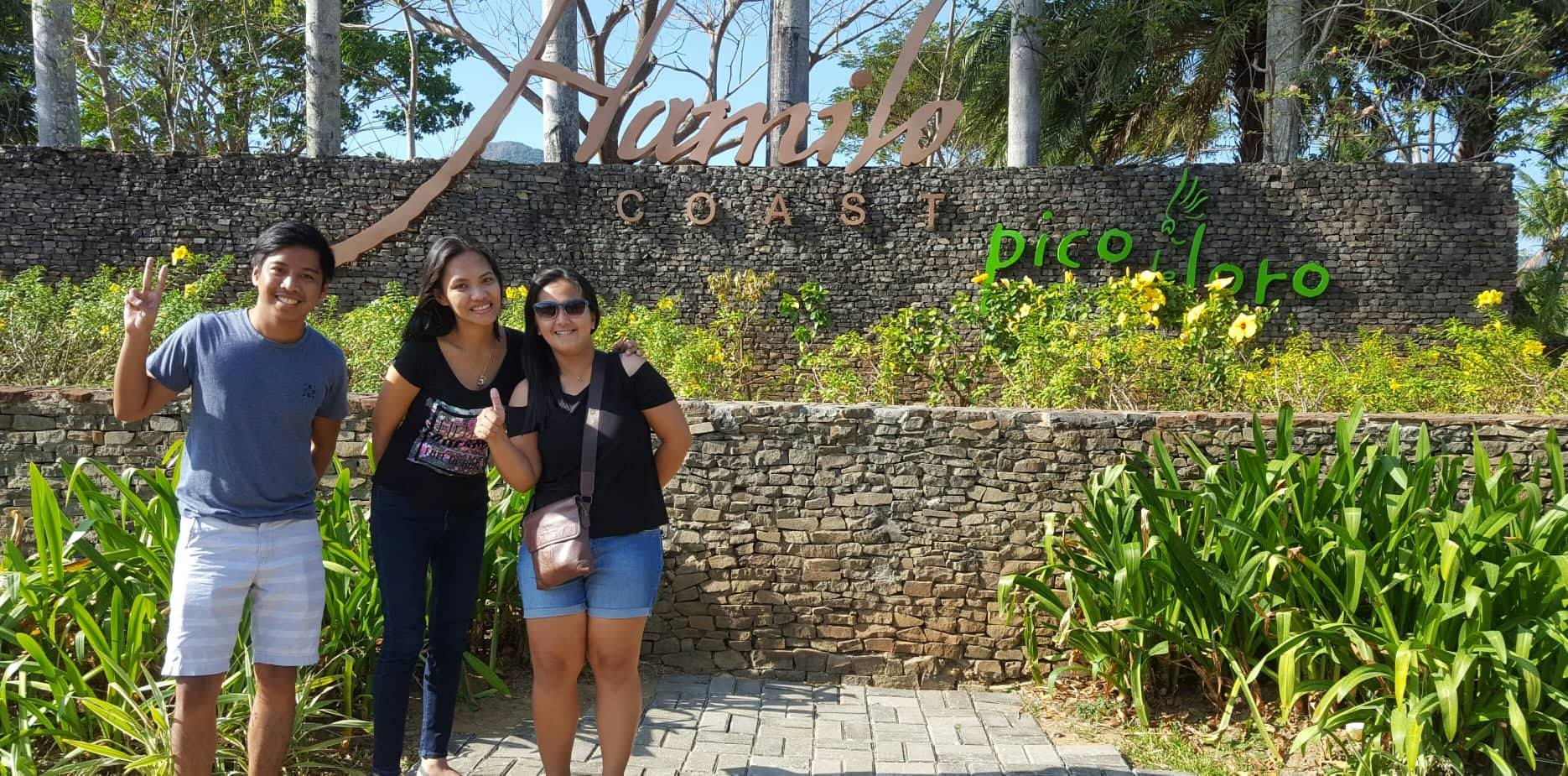 Jane with Marius and Chiqui on arriving at the Batangas resort where Nathan and Connor took the FreeUp assistants after the March 2018 Freelancer Meetup