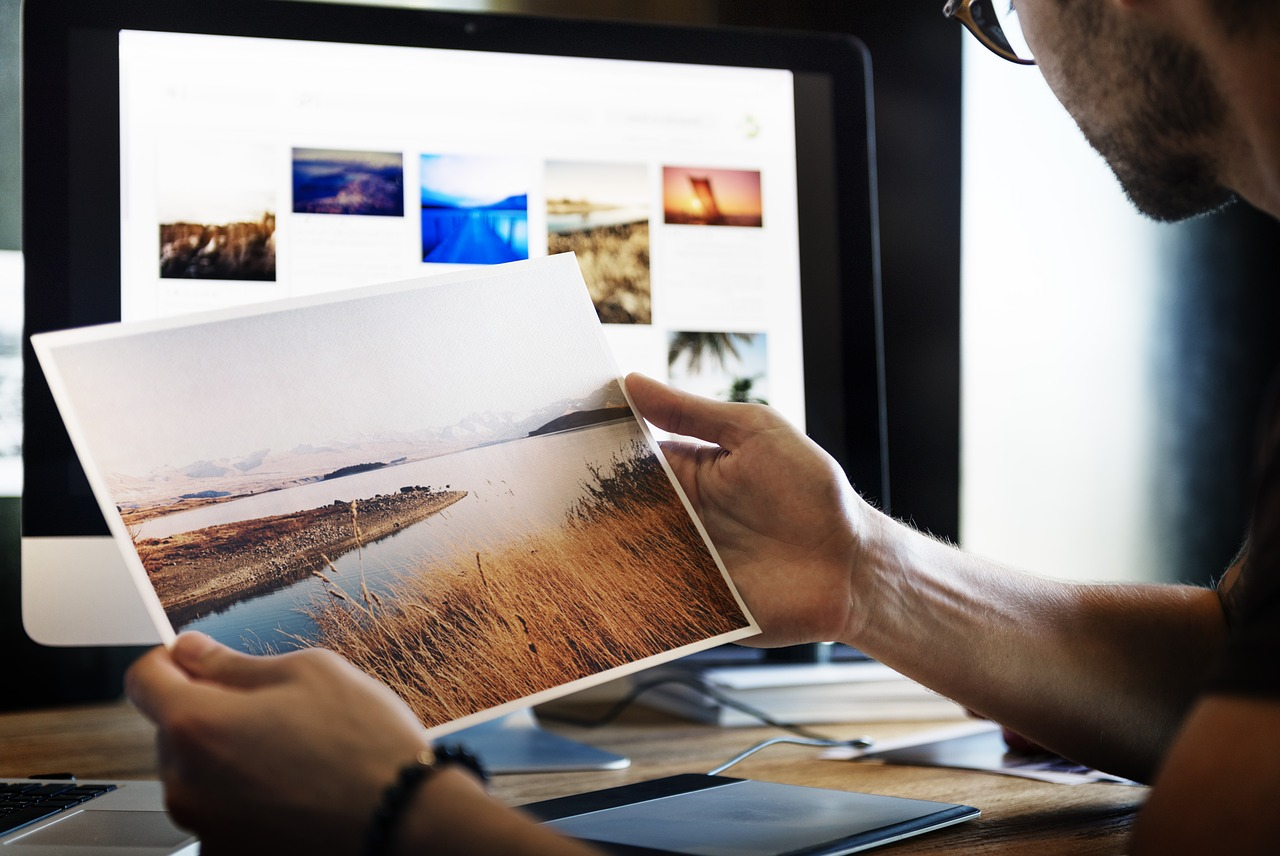 graphic design virtual assistant editing images