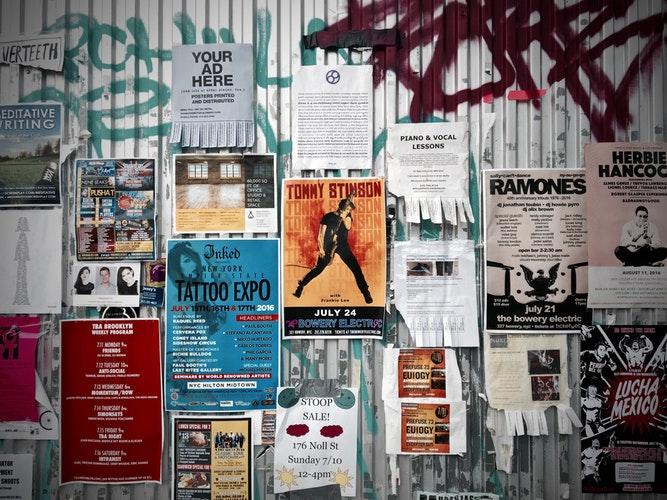 Brochures Ads