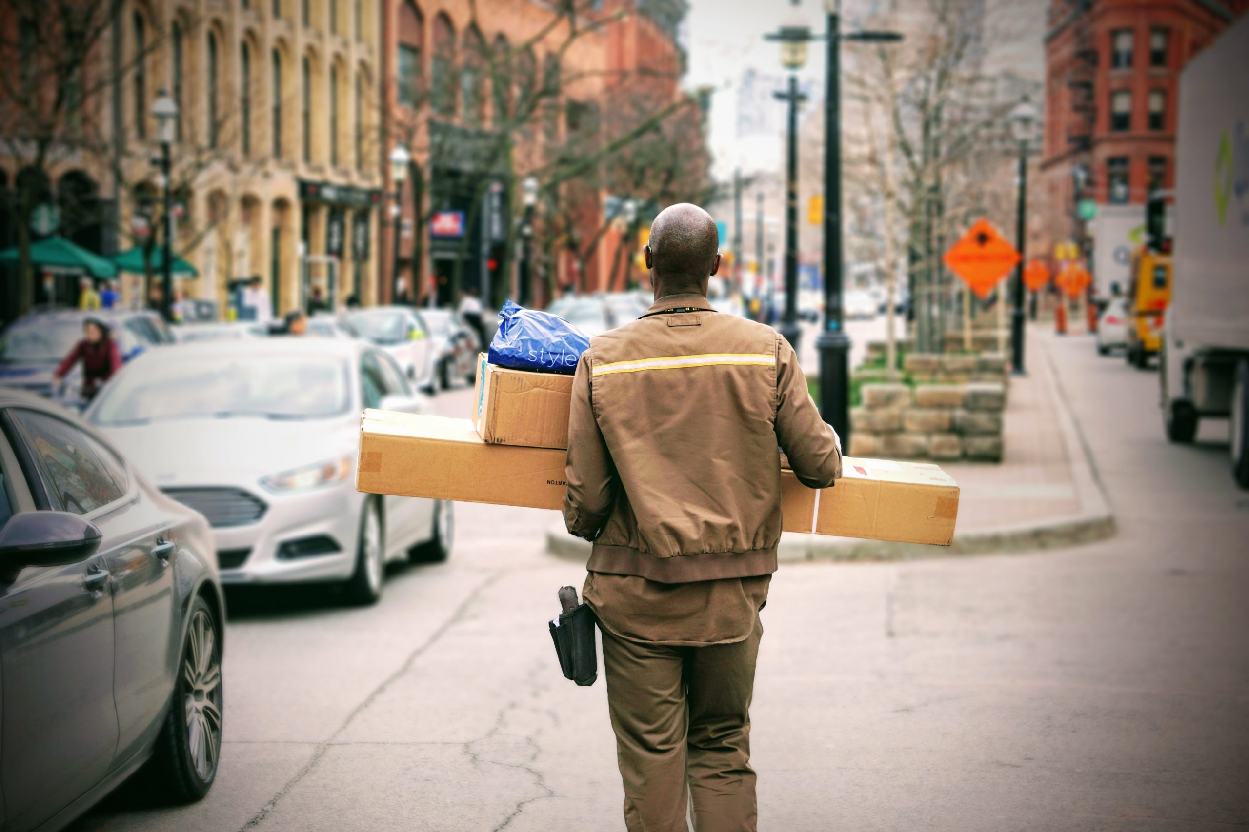 keep track of daily deliveries and shipments