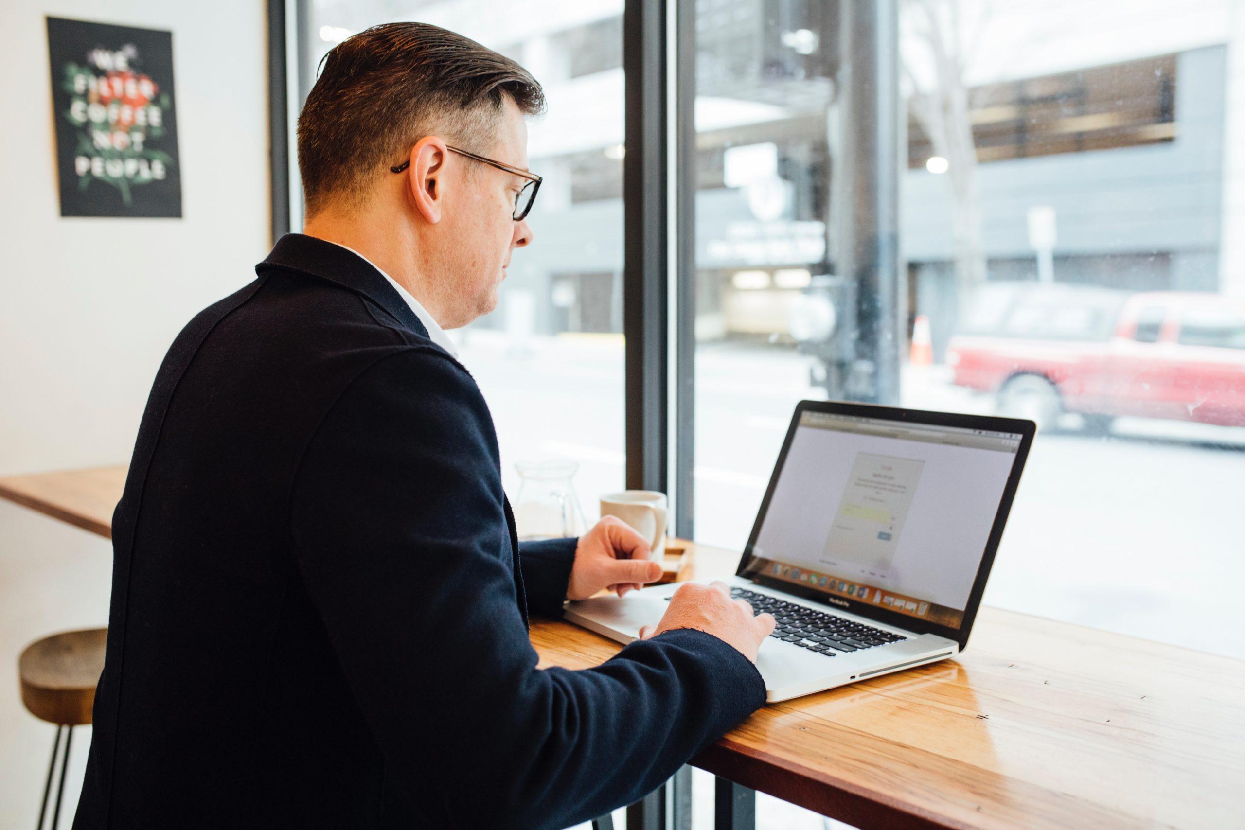 weekly feedback and update meetings